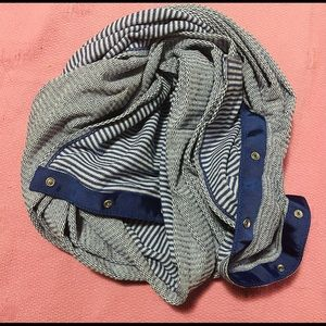 Lululemon preloved vinyasa button infinity scarf